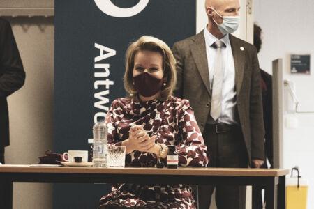 Koningin Mathilde bezoekt Centrum voor de Evaluatie van Vaccinaties (55).JPG