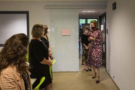 Koningin Mathilde bezoekt Centrum voor de Evaluatie van Vaccinaties (35).JPG