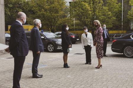 Koningin Mathilde bezoekt Centrum voor de Evaluatie van Vaccinaties (5).JPG