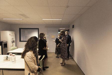 Koningin Mathilde bezoekt Centrum voor de Evaluatie van Vaccinaties (37).JPG