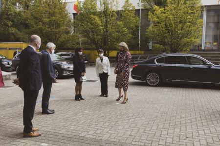 Koningin Mathilde bezoekt Centrum voor de Evaluatie van Vaccinaties (7).JPG