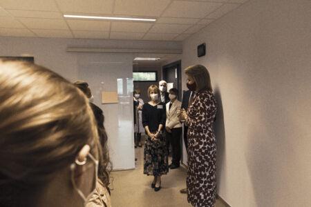Koningin Mathilde bezoekt Centrum voor de Evaluatie van Vaccinaties (42).JPG