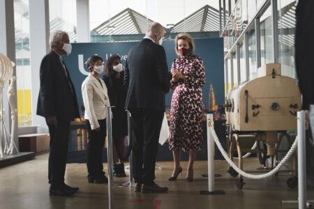 Koningin Mathilde bezoekt Centrum voor de Evaluatie van Vaccinaties (17).JPG