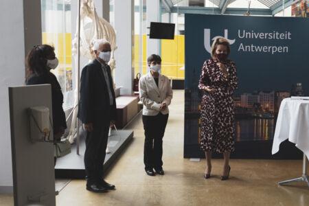 Koningin Mathilde bezoekt Centrum voor de Evaluatie van Vaccinaties (15).JPG