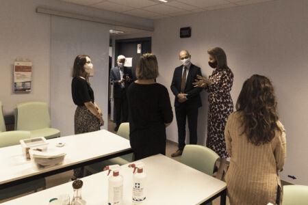 Koningin Mathilde bezoekt Centrum voor de Evaluatie van Vaccinaties (40).JPG