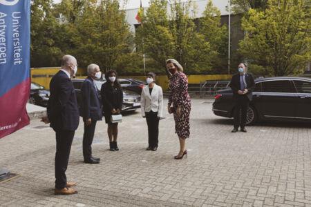 Koningin Mathilde bezoekt Centrum voor de Evaluatie van Vaccinaties (10).JPG