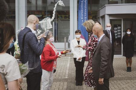Koningin Mathilde bezoekt Centrum voor de Evaluatie van Vaccinaties (62).JPG