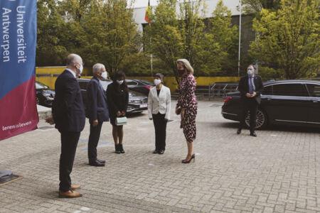 Koningin Mathilde bezoekt Centrum voor de Evaluatie van Vaccinaties (9).JPG